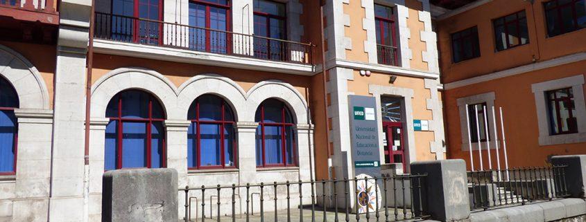 Estudiar a distancia en Cantabria con la UNED