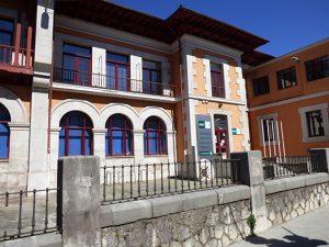 UNED Cantabria. Estudios universitarios a distancia