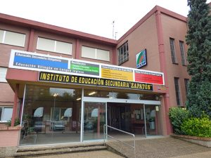 Centro Colaborador de la UNED, el IES Zapatón, en Torrelavega