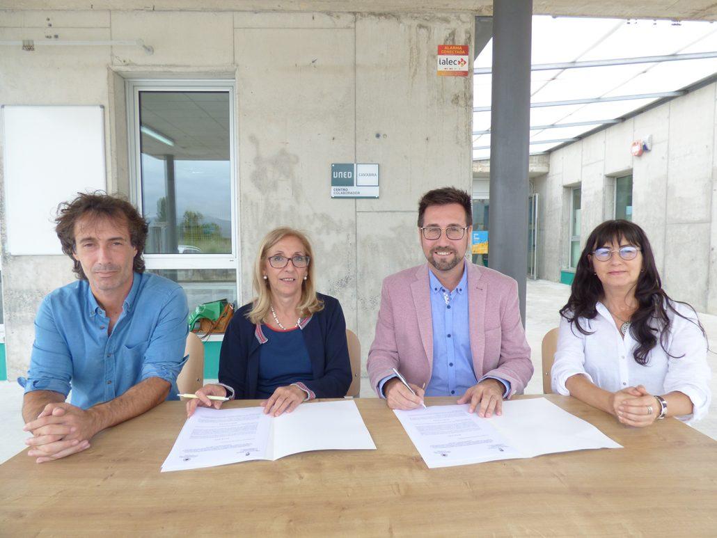 Firmado el convenio de UNED Cantabria y Colindres