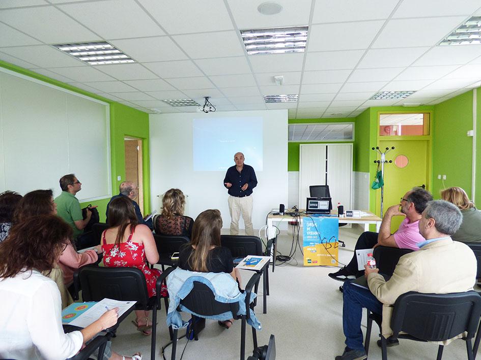 Fernando Molero clausuró los Cursos de Verano de UNED Cantabria